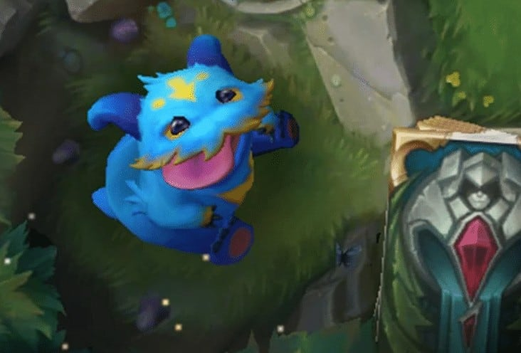 This is how the Moonstruck Poro Guardian could look like in the upcoming Legends of Runterra game by Riot Games